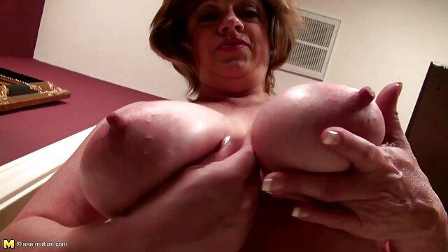 Kasey gibt einen tollen Blowjob private sexfilme