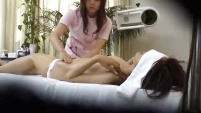 Mädchen saugt ihre eigenen Zehen kostenlose sexfilme von amateuren