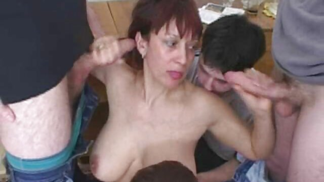 Skinny Teen vor versteckter Kamera verführt amateur pornofilme